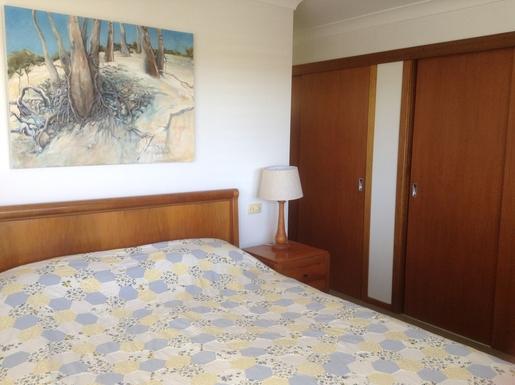 Home exchange in,Australia,WOOLGOOLGA,Main bedroom with bathtub ensuite