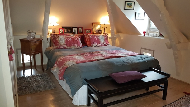Home exchange in,France,Rocamadour,Bedroom with king-sized bed