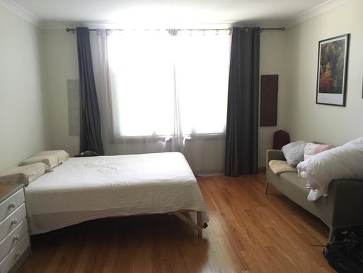 Home exchange in,Australia,Leura,main bedroom (has ensuite and dressing room)