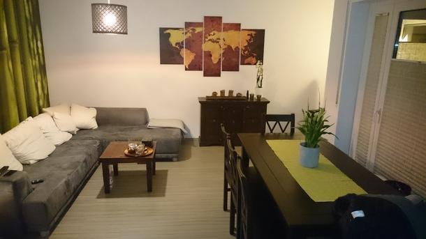 BoligBytte til,Germany,Eschborn,Wohnzimmer mit Essbereich für max. 8 Personen