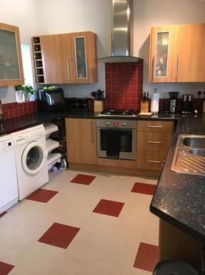 BoligBytte til,United Kingdom,York,Kitchen with oven and hob
