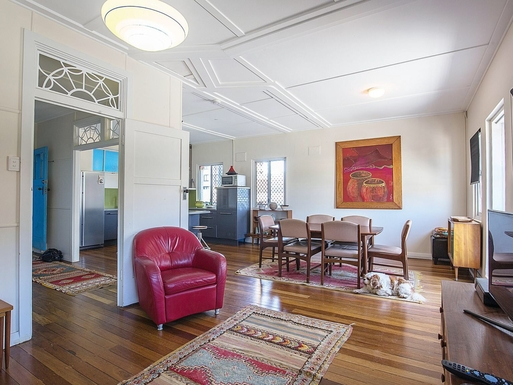 Home exchange in,Australia,Coolangatta,Looking to Dining area