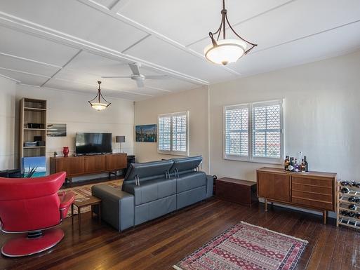Home exchange in,Australia,Coolangatta,2nd Living Area