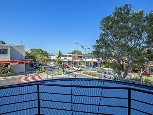 Home exchange in,Australia,Coolangatta,View down the Main Street