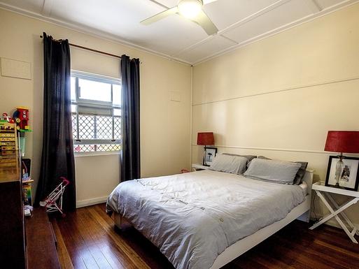 Home exchange in,Australia,Coolangatta,2nd Bedroon, Queen bed