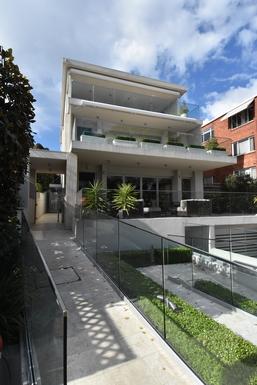 Home exchange in,Australia,Drummoyne,Entrance to Apartments