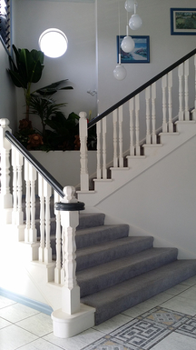 Home exchange in,Australia,SANDSTONE POINT,Entrance Hall and Stairs