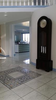 Home exchange in,Australia,SANDSTONE POINT,Entrance Hall View towards Kitchen