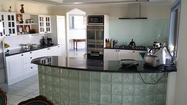 Home exchange in,Australia,SANDSTONE POINT,Groundfloor Kitchen