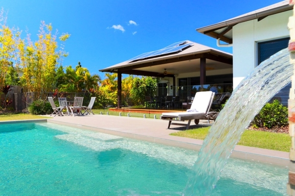 Home exchange in,Australia,Noosaville,Secluded back deck and pool.