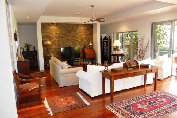 Home exchange in,Australia,Noosaville,Living room.