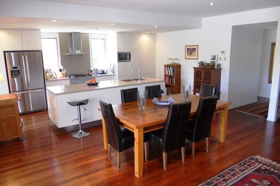 Home exchange in,Australia,Noosaville,Indoor dining.