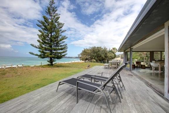 Home exchange in,Australia,Coffs Harbour, 9k, N,deck beachside
