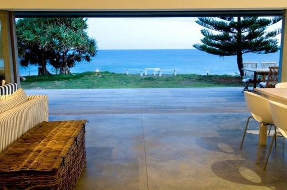 Home exchange in,Australia,Coffs Harbour, 9k, N,view to beach