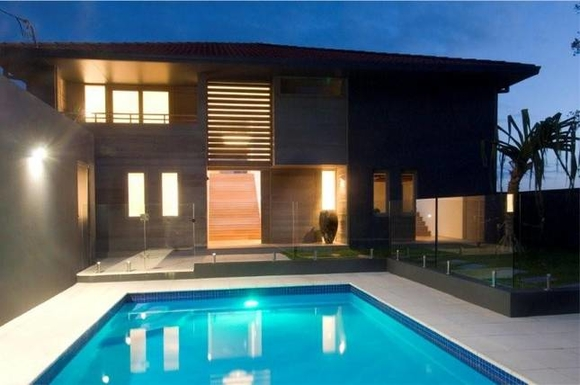 Home exchange in,Australia,Coffs Harbour, 9k, N,view from pool to house