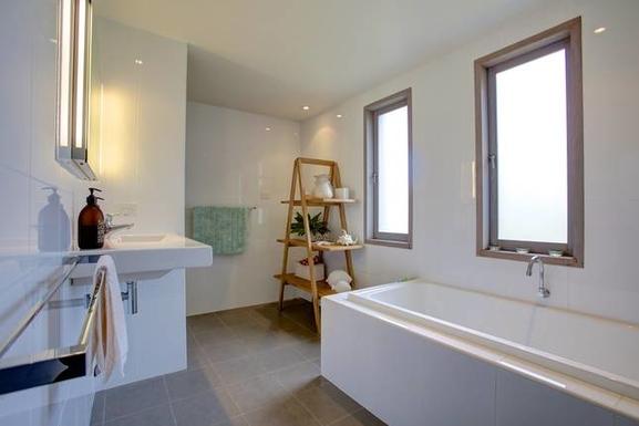 Home exchange in,Australia,Coffs Harbour, 9k, N,bathroom lower level