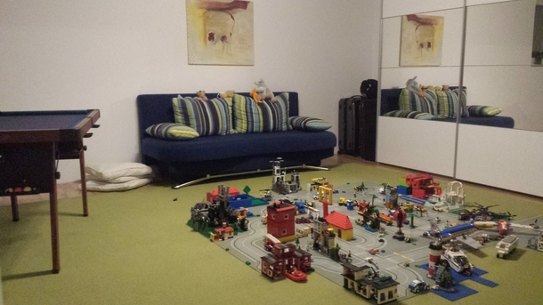 Home Exchange In,Germany,Nürnberg,playroom With Lego City And Billiard