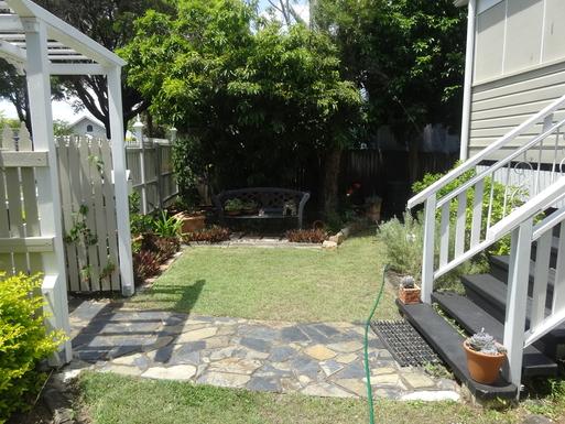 Home exchange in,Australia,WINDSOR,Front yard garden