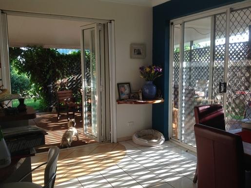 Home exchange in,Australia,Cairns,Kitchen /dining room-open plan