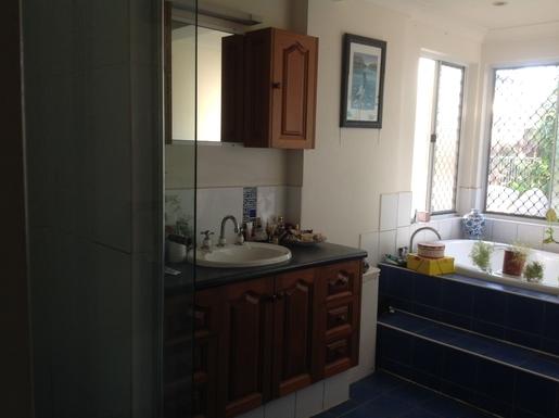 Home exchange in,Australia,Cairns,bathroom