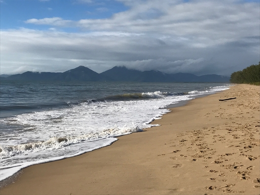 Home exchange in,Australia,Cairns,Nearby beach