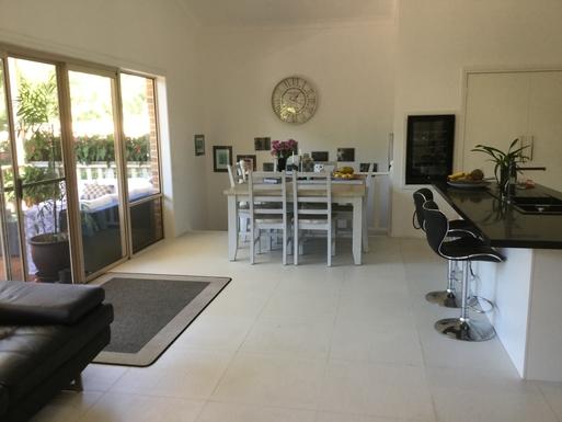 Home exchange in,Australia,Coffs Harbour,Indoor dining area