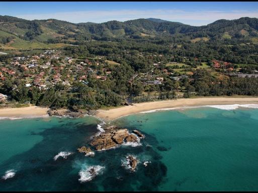 Home exchange in,Australia,Coffs Harbour,Your local beach 4 minutes walk from front door