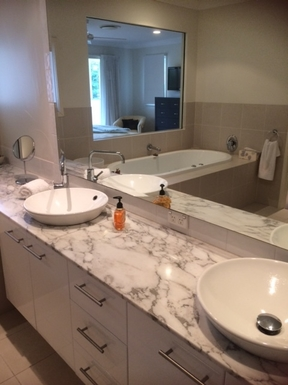 Home exchange in,Australia,ROBINA,Main Bathroom