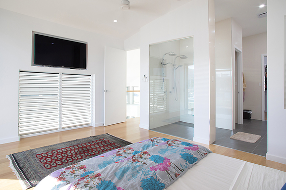Home exchange in,Australia,Townsville,Main bedroom and ensuite.