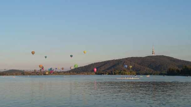 Home exchange in,Australia,Greenway,Balloon Festival in March