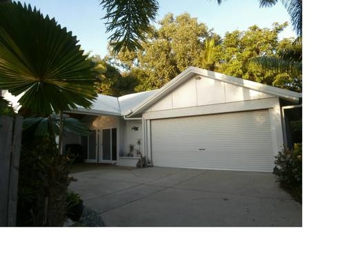 Home exchange in,Australia,Trinity Beach,Our home, back off a quiet, residential street