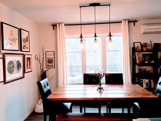 Dining room with view on Mont-St-Hilaire
