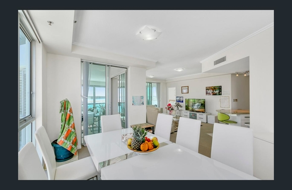 Home exchange in,Australia,Labrador,lounge dining - with view to the Broadwater