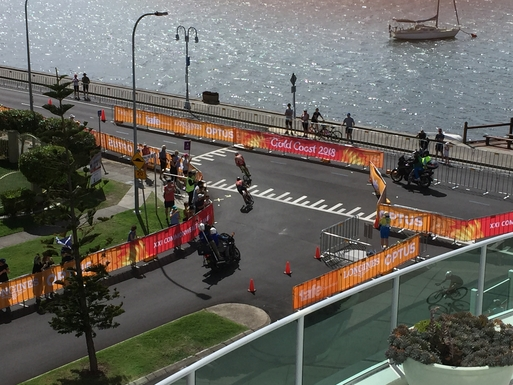 Home exchange in,Australia,Labrador,Commonwealth Games 2018 triathlon from balcony