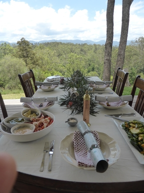 Home exchange in,Australia,Bellingen,lunch on verandah, bellingen mountains