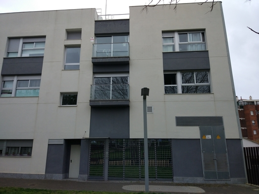Home exchange in,Spain,Barcelona, 11k, N,Our apartment's facade. First floor on the right.