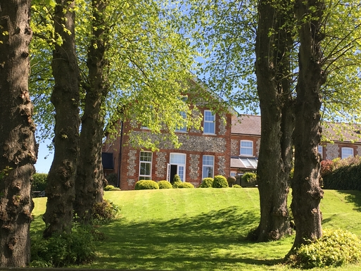 Home exchange in United Kingdom,Old Alresford, Hampshire,Brick & flint 5 bedroom house,Home Exchange & Home Swap Listing Image