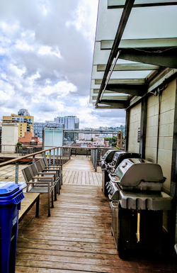 Home exchange in,United States,Portland,Community grills on rooftop deck