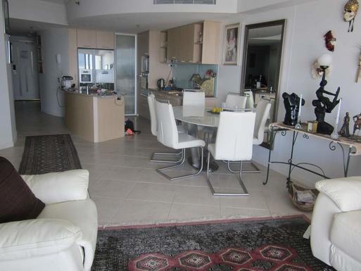 Home exchange in,Australia,Maroochydore BC,Dining & Kitchen