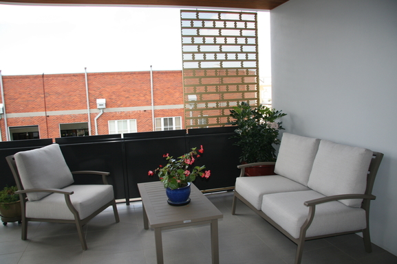 Home exchange in,Australia,Teneriffe,Balcony seating.