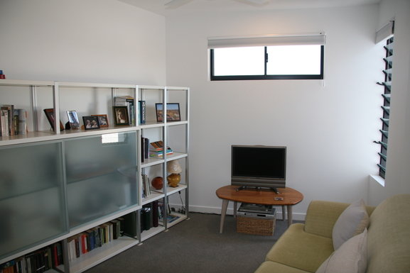 Home exchange in,Australia,Teneriffe,Second living room.