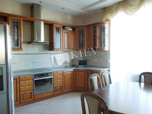 Home exchange in,Ukraine,Kiev,microwave, dishmachine, blender, multicook