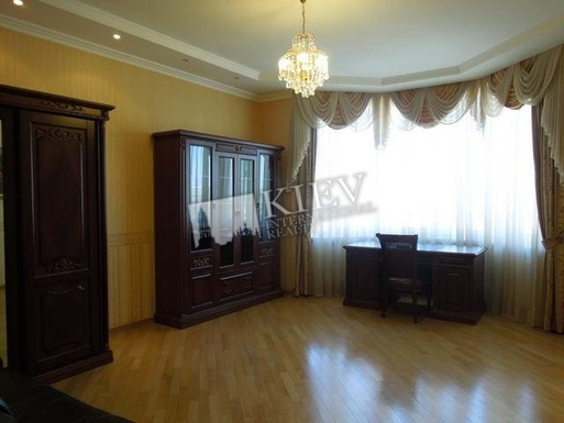 Home exchange in,Ukraine,Kiev,Buro - available comfortable sofa