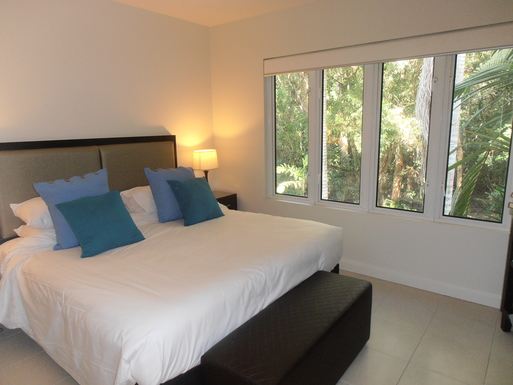 Home exchange in,Australia,PALM COVE,Main Bedroom