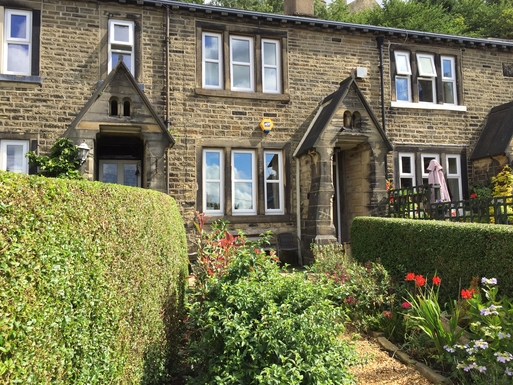 Home exchange in,United Kingdom,Halifax,Dyer's Cottage nr Halifax and its colourful garden
