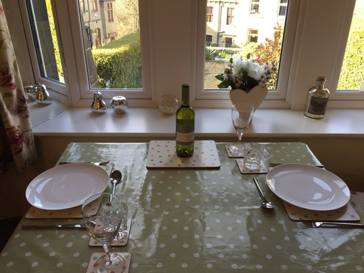 Home exchange in,United Kingdom,Halifax,Enjoy dinner overlooking the garden
