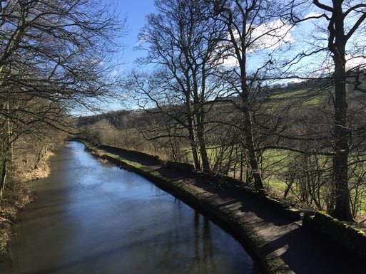 Home exchange in,United Kingdom,Halifax,Walk along the Rochdale Canal and see wildlife