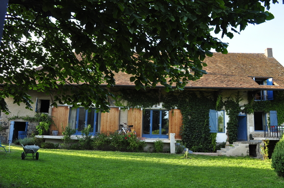 Family restored farm in South Burgundy