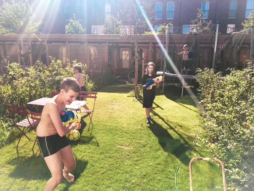 Home exchange in,Belgium,Antwerpen,garden with trampoline and bike shed