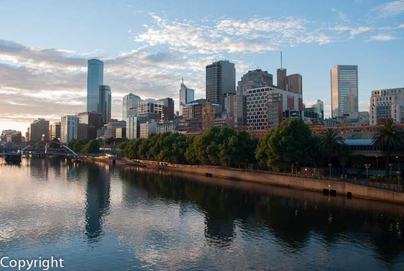 City scene on the Yarra at dusk